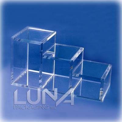 Cubi in plexiglass trasparente print hub s r l for Cubi in legno arredamento